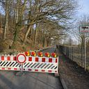 Falkensteiner Ufer, traffic sign, fence, barrier